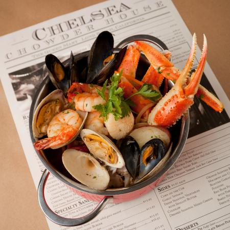 Chelsea's Chowder House & Bar: Seafood