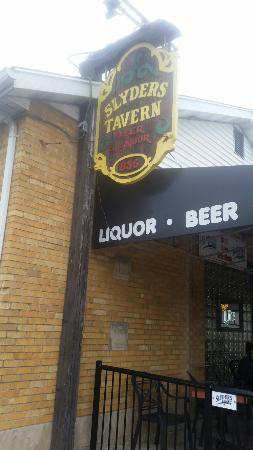 Slyder's Tavern