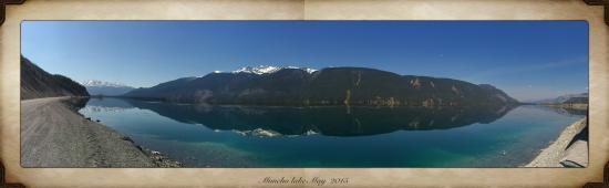 Muncho Lake Provincial Park: Muncho Lake