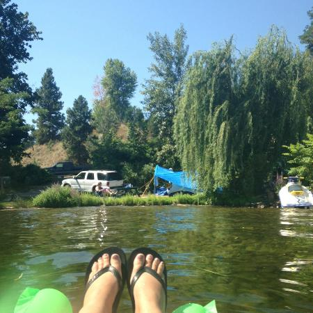 Banbury Green RV & Camping Resort: Our campsite from the water.