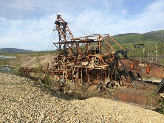 Historic Gold Dredges : Come on in picture of chatanika lodge fairbanks