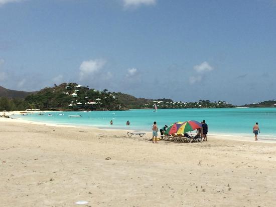 HBK Villas: Jolly Harbour Beach, one block from #228B.