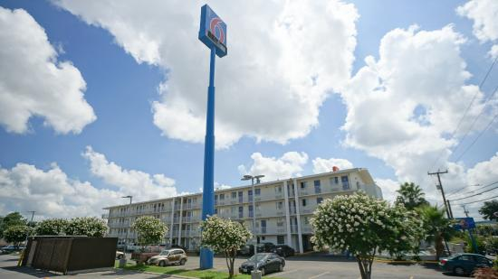 Motel 6 San Antonio Northeast
