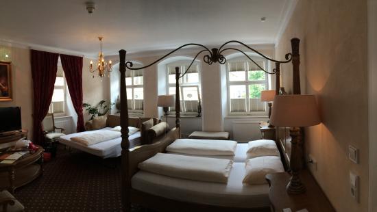 Hotel Meiser`s: Soooo comfy...