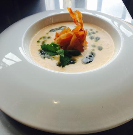 Z Gastro Bar: Prosciutto and Melon Soup