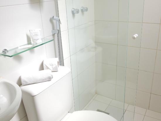 Hotel Monte Castelo: Banheiro