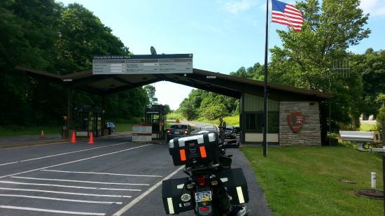 Holiday Inn Express Harrisonburg : Skyline Drive Entrance Nearby