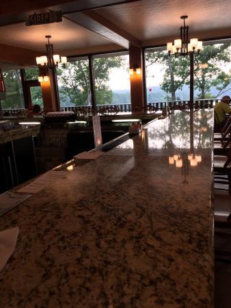 Cardinal Dining Room & Bar