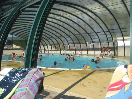 Piscine couverte picture of camping le moteno plouhinec for Camping morbihan piscine couverte