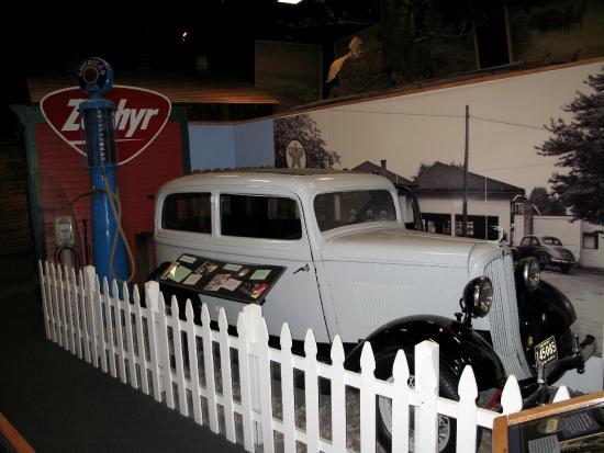 Lakeshore Museum Center: .