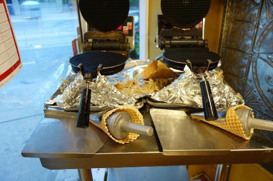 edu0027s real scoop waffle cone maker