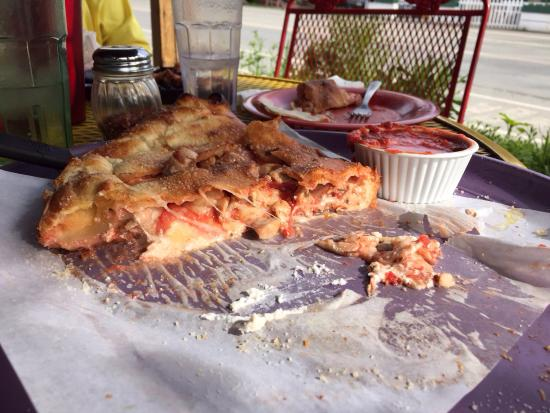 Mountain High Pizza Pie: photo0.jpg