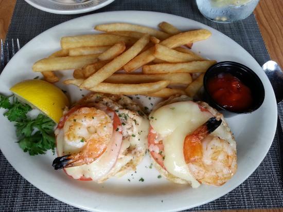 Milepost Tavern Restaurant : tuna melt with shrimp