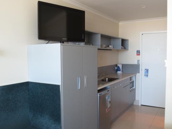 Quality Inn Napier Travel: Kitchenette - Ocean View Studio