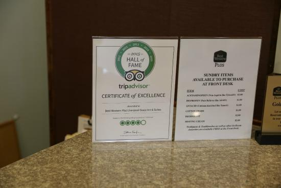 BEST WESTERN PLUS Liverpool Grace Inn & Suites: Front Desk