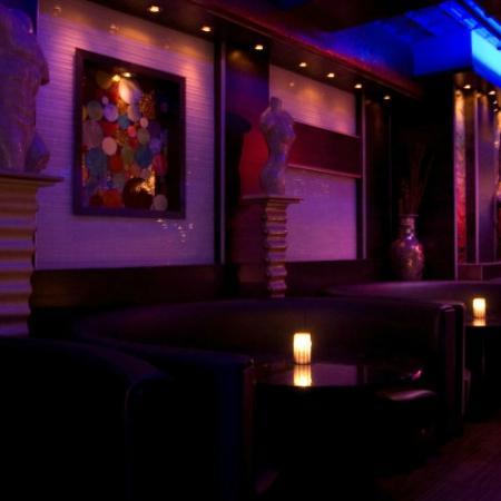 Bleu Martini: Lounge Area