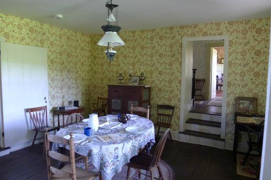 Lambertville, NJ: The dining room @ the farmhouse
