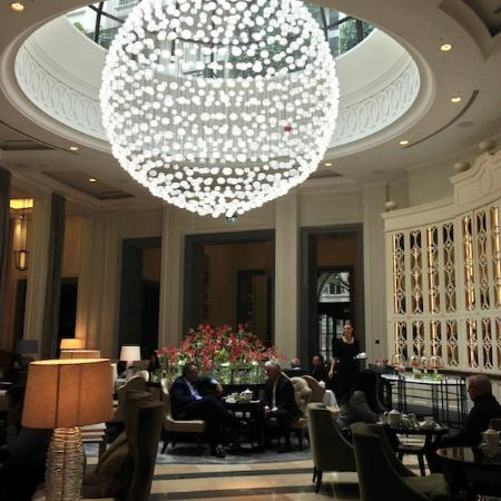 "Corinthia Hotel London: Chandelier ~ Baccarat ""Full Moon"""
