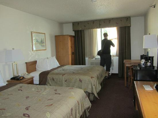 BEST WESTERN Alpenglo Lodge: room with 2 queen beds