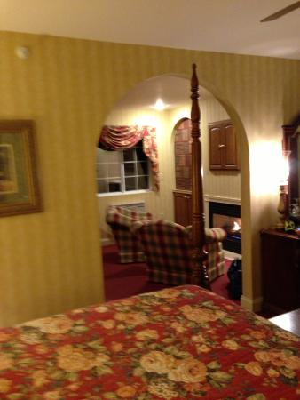 Christmas Farm Inn & Spa: carriage house room