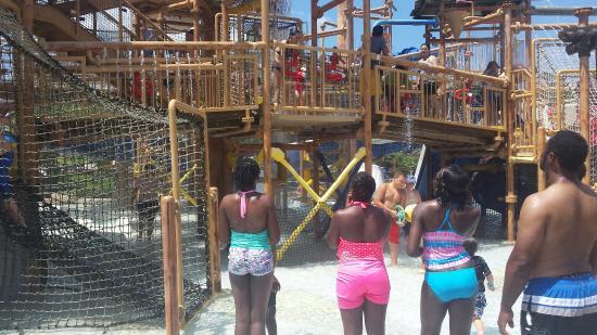 geyser falls water theme park  choctaw