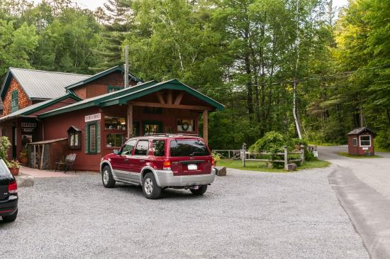Adirondack Camping Village: Office, Store & Entrance
