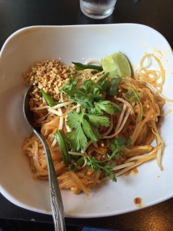 Thai Siam Restaurant: Yummy Treat. A real Treasure chest if Thai food an true bargain prices.