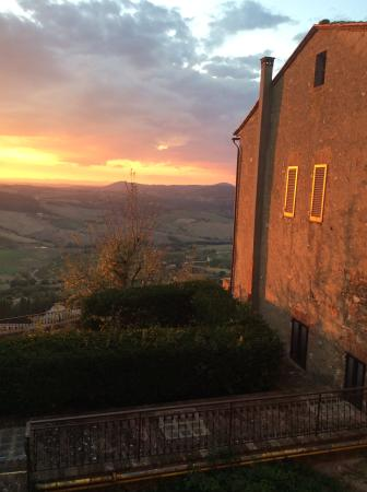 Palazzo Bellarmino: Sunset view from dining room