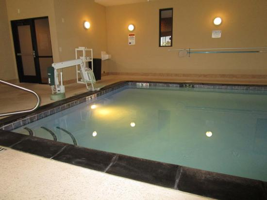 Holiday Inn Express Truth or Consequences: Swimming Pool