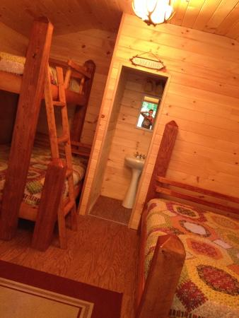 Timberland Campground: Quaint cabin