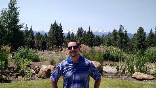 Aspen Lakes Golf Course: Love those mountains