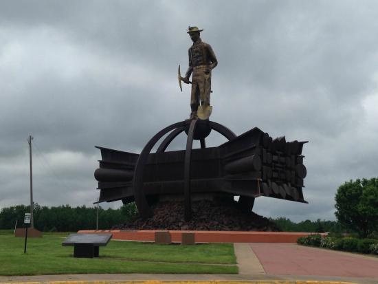 Iron Man Statue: The Ironman Statue