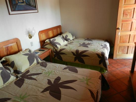 Posada de los Volcanes: Room with 2 beds