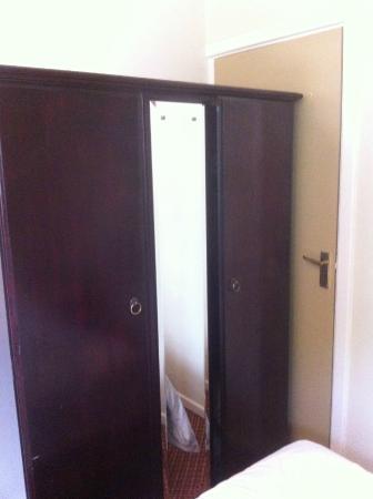 Ye Olde Talbot: Walk in(to) wardrobe