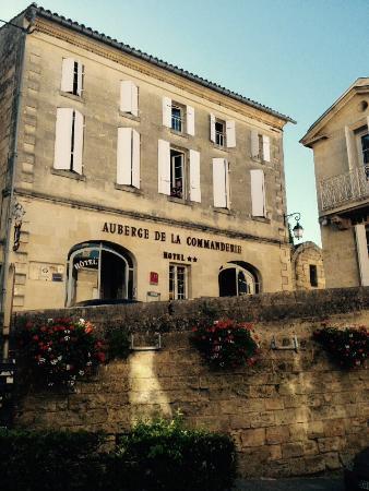 Auberge de la Commanderie: Our first floor room