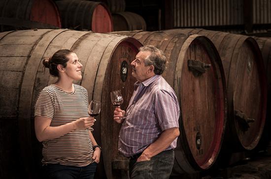 Долина Барроса, Австралия: Victoria and Luigi in the barrel cellar