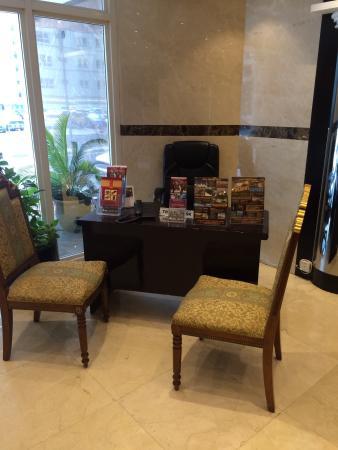 Imperial Hotel Apartments : Reception plus lobby