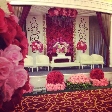 Wedding decoration picture of golden flower bandung tripadvisor golden flower wedding decoration junglespirit Choice Image