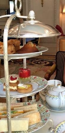 Afternoon tea at La Galerie