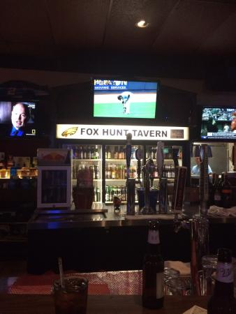 ‪Fox Hunt Tavern‬
