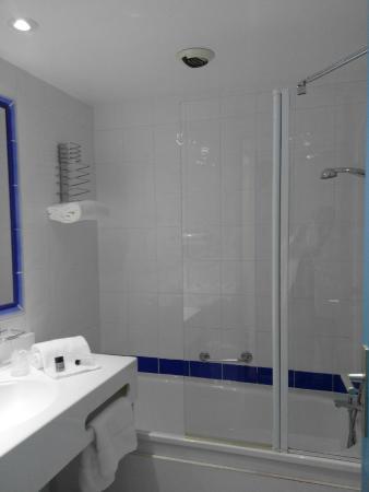 Hotel Royal Mirabeau by HappyCulture: Salle de bain