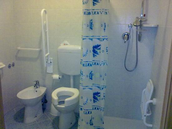 Hotel Ginevra : bagno attrezzato per persone disabili