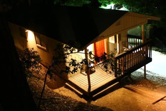 Yosemite Bug Rustic Mountain Resort: private house