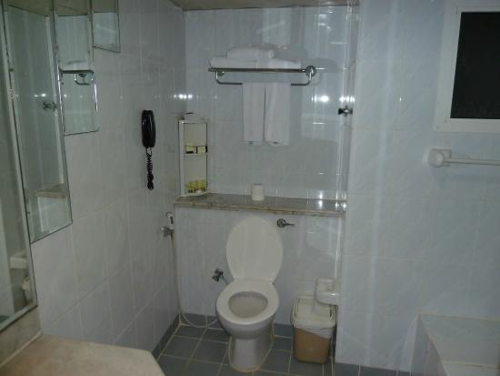 Bathroom Amenities Picture Of Admiral Plaza Hotel Dubai Tripadvisor