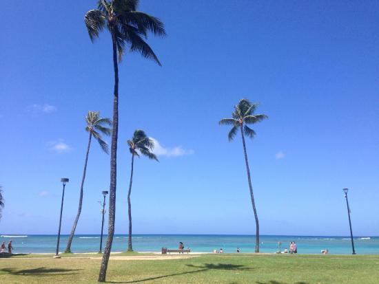 Ambassador Hotel Waikiki: Ближайший к отелю пляж