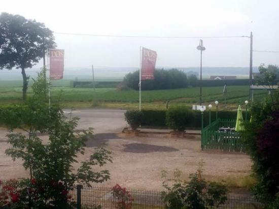 Chaufour-les-Bonnieres, France : A 2 pas des Nymphéas