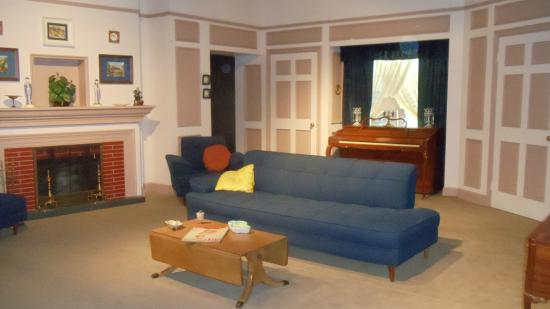 i love lucy living room lucille arnaz museum jamestown ny top tips 21648