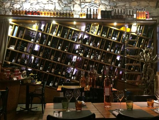 Saveurs & Anthocyanes: Wall of wine - that acts as the wine list!
