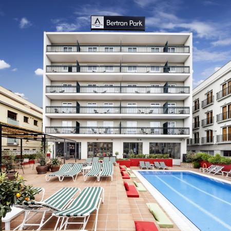 Aqua Hotel Bertran Park: Hotel