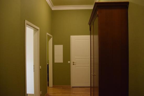 Louisa's Place : Hallway
